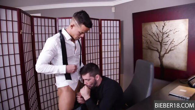 He is eager to suck up to the job! gay gayxxx