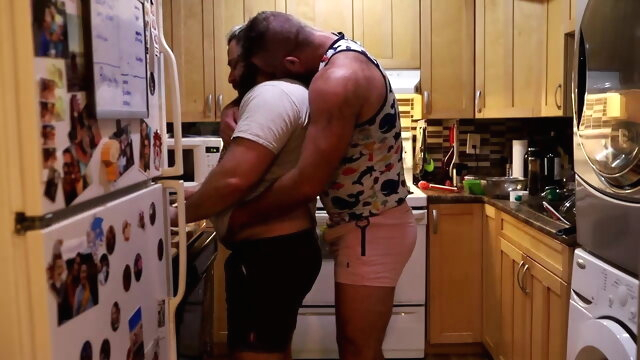Daddy Bears Fucking in the Kitchen bareback gayxxx