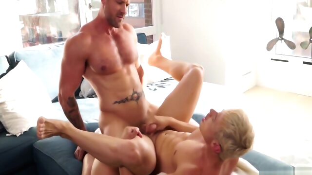 Muscle Power Bottom Alam Wernik and Austin Wolf big cock gayxxx