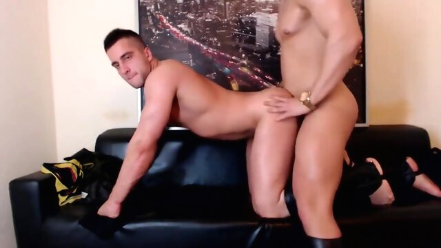 2 muscles boys flex on webcam amateur gayxxx